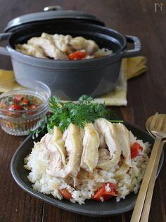鍋炊き&炊飯器どちらもOK♪ 鶏のコクと旨みたっぷりの中に、ミニトマトを加えたことでフルーティーでさっぱり感もあり、見た目にも華やかになります。 いちどにご飯とおかずが出来上がっちゃう便利な炊き込みごはんなので、普段の食事からおもてなし、お弁当にもオススメです。 鶏はイノシン酸、トマトやナンプラーはグルタミン酸が豊富なので相乗効果でさらに美味しくなっちゃうんです♪