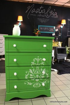 Green is the New Black {reFreshed furniture} - Welcome to reFresh reStyle!