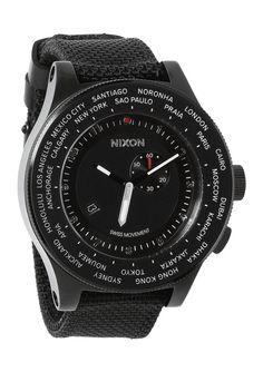 Nixon – Passport Watch