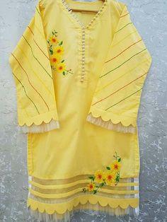 Simple Shirt Design, Shirt Design For Girls, Girls Frock Design, Kurti Sleeves Design, Sleeves Designs For Dresses, Dress Neck Designs, Pakistani Fashion Party Wear, Pakistani Dresses Casual, Pakistani Dress Design