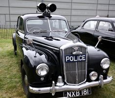 police car - had one of these in 1968 - it cost me with a load of tools in the back and hand-cuff shackles for the back seat :-) British Police Cars, Old Police Cars, Old Cars, Abu Dhabi, Rescue Vehicles, Police Vehicles, Vintage Cars, Antique Cars, Grand Prix