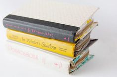 DIY Zipper Book Clutch | Transform your favorite read into your new favorite clutch!