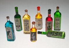 Picasa Web Albums - j stam - printable dol. Miniature Bottles, Miniature Kitchen, Miniature Crafts, Miniature Houses, Miniature Food, Miniature Dolls, Dollhouse Tutorials, Diy Dollhouse, Miniature Tutorials