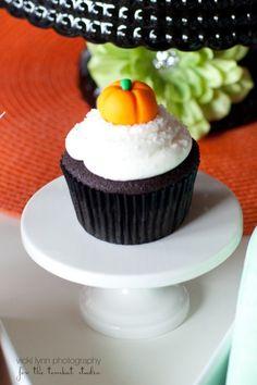 Cute Halloween cupcake