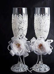 Wedding Champagne Flutes, Bridal Shower Gift #wedding