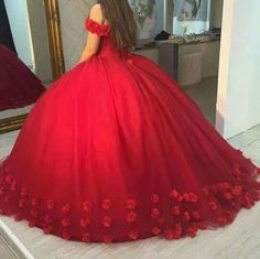 Beautiful Wedding Dresses Off-the-shoulder Ball Gown Hand-Made Flower Red Bridal Gown Spring Formal Dresses, Junior Formal Dresses, Red Ball Gowns, Ball Dresses, Girls Pageant Dresses, Prom Dresses, Dress Prom, Mexican Quinceanera Dresses, Photo Grid