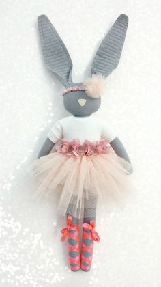 Fabric Bunny by Navy Plum - Sewing Toys, Sewing Crafts, Sewing Projects, Ballerina Doll, Fabric Toys, Waldorf Dolls, Baby Kind, Love Sewing, Softies