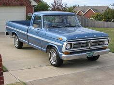 Ford Design And Specifications. Amazing pictures & video to Ford Design And Specifications. Vintage Pickup Trucks, Classic Ford Trucks, Old Pickup, Ford Pickup Trucks, Ford Falcon, Bicicletas Raleigh, Mustang, Trailers, Old Trucks