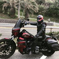 Harley Davidson Fat Bob, Harley Davidson Street Glide, Harley Davidson Motorcycles, Bobber Motorcycle, Motorcycle Style, Dyna Club Style, Harley Bagger, Honda Africa Twin, Power Bike