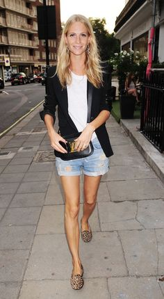 Denim cut-offs and a black blazer are a model's off-duty uniform, just ask Poppy Delevingne. Recreate it on cool Summer evenings. Poppy Delevingne, Delevigne Cara, Mode Outfits, Short Outfits, Summer Outfits, Summer Shorts, Looks Chic, Looks Style, Fashion Mode