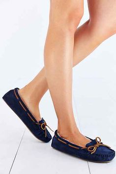 Minnetonka Cally Moccasin - Urban Outfitters