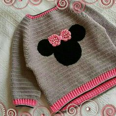 "Pulôver infantil em crochê ""Minnie"" [ ""Discover thousands of images about Marcela Cañete"" ] # # # Baby Girl Crochet, Crochet Baby Clothes, Love Crochet, Crochet For Kids, Knit Crochet, Baby Sweater Patterns, Baby Patterns, Crochet Patterns, Crochet Jacket"