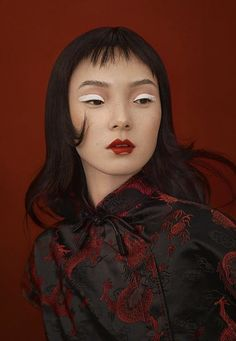 Chinese Designer Angel Chen Collaborates With MAC Cosmetics Portrait Inspiration, Makeup Inspiration, Character Inspiration, Face Reference, Photo Reference, Angel Chen, Portrait Photography, Fashion Photography, Chinese Design
