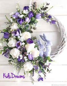 White Wreath, Floral Wreath, Easter Party, Easter Wreaths, Decor Crafts, Home Decor, Easter Crafts, Floral Arrangements, Decoupage