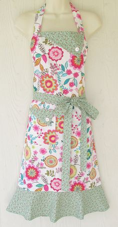 Retro Floral Apron  Vintage Inspired  Floral Apron by KitschNStyle