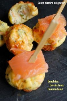 A light aperitif with these small chewy bites that require only 4 ingredients to be made. Express and excellent! With the imprints 12 Demarle mini muffins Ingredients: – of fresh squares – chives – 2 eggs – pepper – 1 … Love Eat, Love Food, Fingers Food, Xmas Food, Appetisers, Creative Food, Food Inspiration, Appetizer Recipes, Food Porn