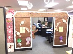 44 Awesome Beautiful Christmas Office Decorations Ideas Make All People Amaze - Wedding Inspire Christmas Cubicle Decorations, Gingerbread Decorations, Christmas Themes, Christmas Crafts, Holiday Decor, Office Decorations, Homemade Christmas, Tree Decorations, Christmas Ornaments