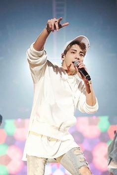 Jonghyun : You did well :) we love you Shinee Jonghyun, Lee Taemin, K Pop, Jung Hyun, Lee Jinki, Kim Kibum, Always Smile, Record Producer, Kpop Groups