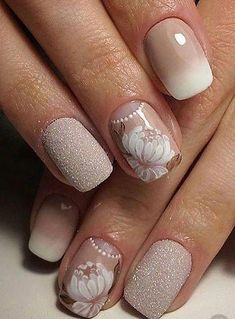 Wedding Nails: Beautiful and Elegant Nail Designs: Weddings are a very special event that allows us all to wear stunning dresses and look pretty. Nails are no exception. Winter Wedding Nails, Wedding Nails For Bride, Bride Nails, Wedding Nails Design, Sparkle Wedding, Wedding Champagne, Red Wedding, Wedding Simple, Burgundy Wedding