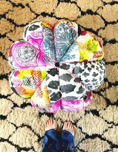 I need to make me one of these - scrap fabric floor pouf via Alisa Burke Diy Furniture Projects, Craft Projects, Sewing Projects, Craft Ideas, Sewing Ideas, Sewing Crafts, Patchwork Fabric, Fabric Scraps, Scrap Fabric