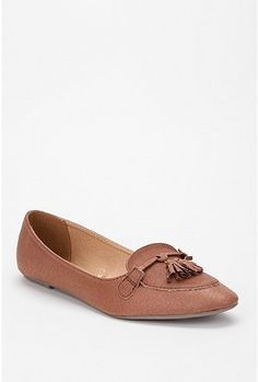 These little leather oxford's are also screaming my name - Cooperative $39 CDN from Urban Outfitters