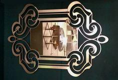 Κομμάτι από τα λίγα, της Arte Mestieri, ιταλικό. Μπορεί να τοποθετηθεί και οριζόντια και κάθετα. Door Handles, Wall Lights, Doors, Lighting, Home Decor, Door Knobs, Appliques, Decoration Home, Room Decor