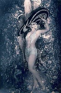 vintage showgirl....for your pinups?