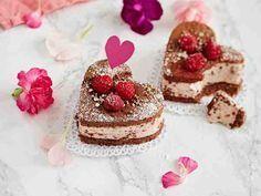 The Sweet {Tooth} Life: Raspberry Truffle Bites {healthy, GF} Mini Desserts, No Bake Desserts, Delicious Desserts, Yummy Food, Healthy Food, Healthy Treats, Healthy Cooking, Dessert Recipes, Healthy Recipes