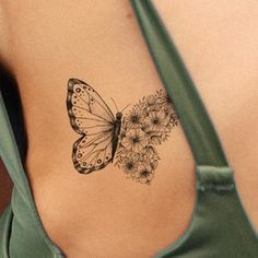 Monarch Butterfly Tattoo, Butterfly With Flowers Tattoo, Butterfly Tattoo On Shoulder, Butterfly Tattoos For Women, Butterfly Tattoo Designs, Tattoos For Girls, Girl Side Tattoos, Finger Tattoos, Hipster Tattoo