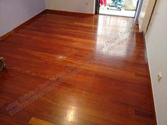 Τοποθέτηση και συντήρηση σε ξύλινο πάτωμα ή επένδυση σκάλας: Αλλαγή χρώματος σε αφρικάνικο ξύλινο πάτωμα