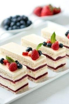 Raspberry vanilla crème cakes