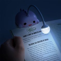 This adorable kawaii-styled, ThinkGeek-exclusive Anglerfish Book Light is the perfect accompaniment to any book gift this year. Its bright globe helps you get lost in a book, instead of in the oceans deep. Geek Gadgets, Cool Gadgets, Objet Wtf, Diy Love, Kawaii Room, Angler Fish, Cute School Supplies, Cute Room Decor, Cool Inventions