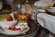 table settings - Shana Tova! Welcome to my Rosh Hashana Table! Love, The Jewish Hostess | Kosher Recipes and Jewish Table Settings