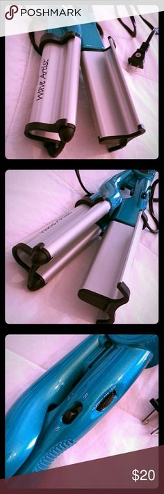 BED HEAD ~ TIGI ~ WAVE ARTIST Practicality brand new! Tried it once. Waves just aren't  for me, but it really does make waves & fast! Teal green. Has a heat level dial, on off switch, lock switch, grip on handle. Summers coming.....Get your beach waves!!!! BedHead Accessories Hair Accessories