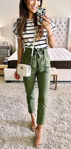 12 Easy Hacks That Will Instantly Make You Look More Stylish Impressive ou. 12 Easy Hacks That Will Instantly Make You Look More Stylish Impressive outfit with green pants and stripped top accessories Casual Work Outfits, Trendy Outfits, Cute Outfits, Fashion Outfits, Cute Teacher Outfits, Casual Tie, Teaching Outfits, Teacher Style, Classy Casual