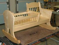 Кресло качалка для ребенка | ShareMind.info #WoodworkingBench #WoodworkingPlans