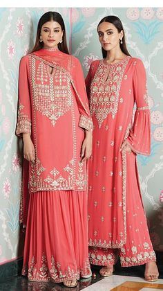 Discover recipes, home ideas, style inspiration and other ideas to try. Pakistani Wedding Outfits, Pakistani Dresses, Indian Dresses, Indian Outfits, Western Outfits, Emo Outfits, Anita Dongre, Pakistani Designer Suits, Pakistani Dress Design