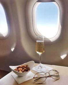Champagne with a side of crunchy nuts the perfect in-flight combination. Foto Software, Bonheur Simple, Billionaire Lifestyle, Black Luxury, Luxe Life, Business Class, Travel Aesthetic, Fine Wine, Travel Goals