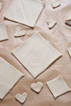 Gâteau lettre d'amour saint-valentin - Dessert Saint Valentin, Healthy, Desserts, Tailgate Desserts, Deserts, Postres, Dessert, Health, Plated Desserts