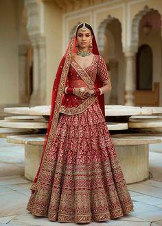 Designer Bridal Lehenga, Wedding Lehenga Designs, Lehenga Wedding, Bridal Lehenga Choli, Latest Bridal Lehenga, Punjabi Wedding, Indian Lehenga, Lehenga Anarkali, Silk Lehenga