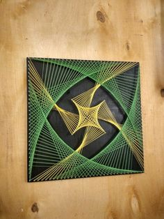 string art geometry String Art Gallery [ 25 Ideas] The post string art geometry appeared first on Decors. String Art Templates, String Art Tutorials, String Art Patterns, Doily Patterns, String Wall Art, Nail String Art, String Crafts, Arte Linear, Instalation Art