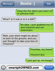 Funny text fails, funny memes, hilarious texts, text pranks, really funny. Funny Texts Jokes, Text Jokes, Funny Text Fails, Funny Text Messages, Text Pranks, Epic Texts, Funny Texts To Parents, Funny Phone Texts, Stupid Texts