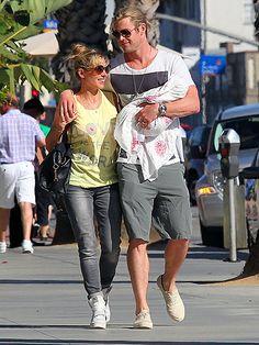 Hands-On Dad photo Falling In Love With Him, Love S, Chris Hemsworth Thor, Nick Bateman, Star Track, Robert Redford, Ryan Reynolds, Hot Actors, Celebs