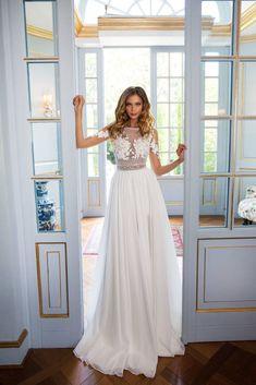 Milla Nova 2018 wedding dresses are here! With Milla Nova gorgeous designs you are sure to shine bright on your wedding day. Get inspired with Milla Nova! Garden Wedding Dresses, Wedding Dresses 2018, Minimalist Wedding Dresses, Dress Collection, New Dress, Madonna, Flower Girl Dresses, Bride, Wedding Ideas