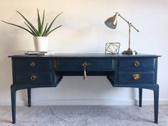 Dressing Tips For The - Something You Must Know - Popular Vintage Quirky Dressing Table, Vintage Dressing Rooms, Dressing Table Design, Stag Furniture, Paint Furniture, Furniture Makeover, Vintage Furniture, Painted Sideboard, Vintage Sideboard