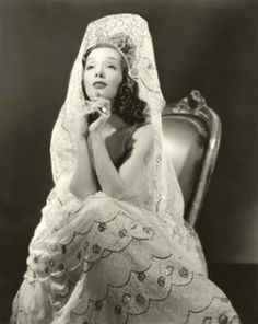 Pride of a Spanish Bride: The Mantilla Wedding Veil    My theme- Spanish vintage!
