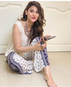 Image may contain: 1 person, indoor Pakistani Casual Wear, Pakistani Girl, Pakistani Dress Design, Pakistani Actress, Pakistani Outfits, Indian Outfits, Pakistani Clothing, Hina Altaf, Dress Indian Style
