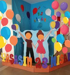 School Board Decoration, Class Decoration, All About Me Preschool, Christmas Crafts For Kids To Make, Child Day, Backdrops For Parties, Pre School, Great Artists, Kindergarten