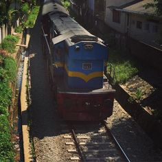 One of the oldest engines CGR owns and still runs like a beast. #srilanka #travel #train #srilankatravel #holidays