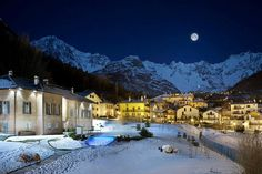 VITALITY PACKAGE: The package includes half day of fat biking, half day of snowshoeing, half day of private SPA, and half day of Terme di Pre-Saint Didier. Attraction, Aosta Valley, Luxury Spa, Online Tickets, Resort Spa, Rafting, Montana, Trip Advisor, Saints